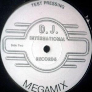 UNKNOWN ARTIST - Megamix